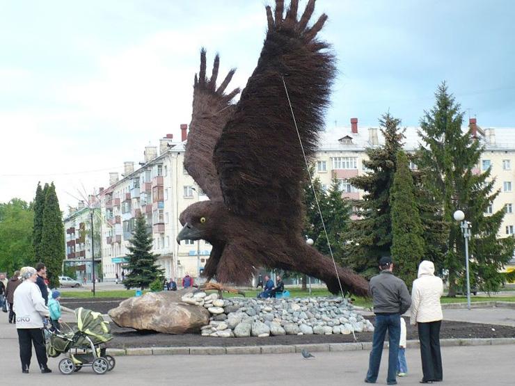 eagle monument in Russia 1