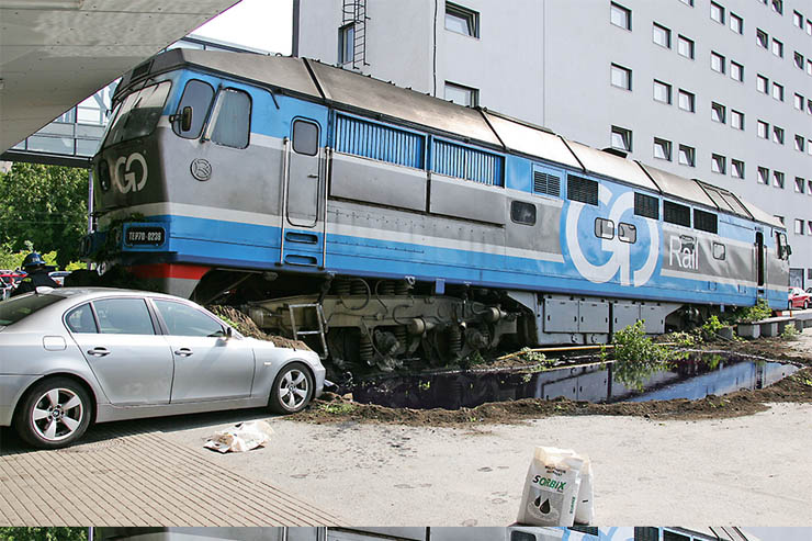 Estonian train hit car 4