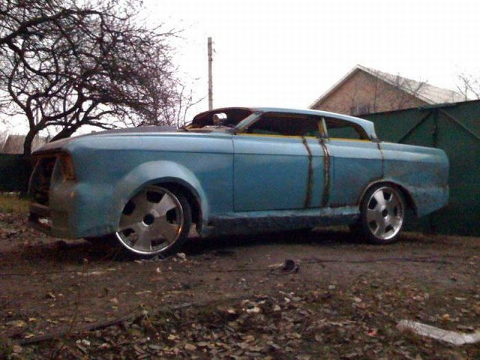 Epic Tuning of an Old Moskvich? 17