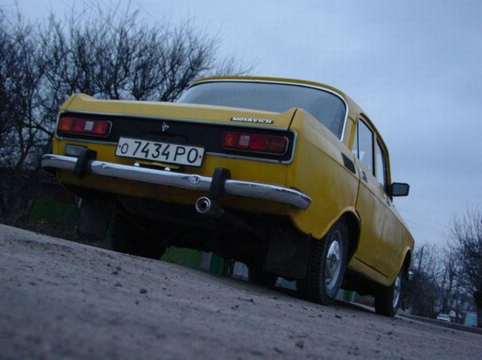 Epic Tuning of an Old Moskvich? 2