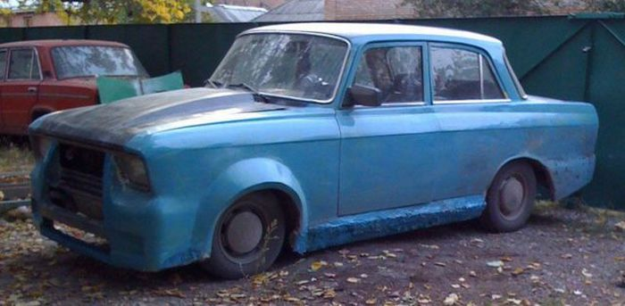 Epic Tuning of an Old Moskvich? 5