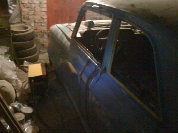 Epic Tuning of an Old Moskvich? 7