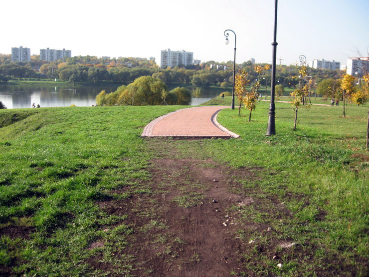 Fake roads in Russian parks 10