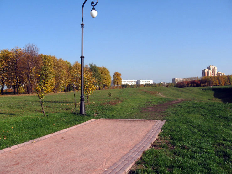 Fake roads in Russian parks 6