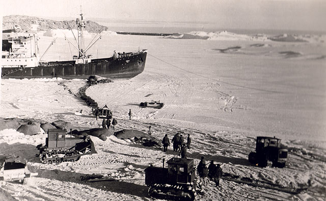 first Russian expedition to Antarctics in 1950 12