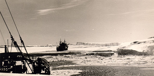 first Russian expedition to Antarctics in 1950 14