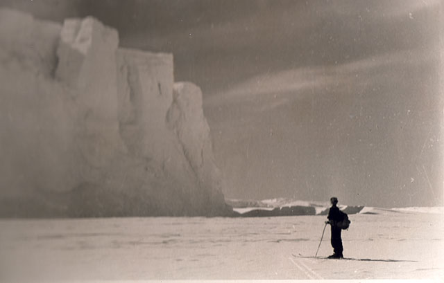 first Russian expedition to Antarctics in 1950 16