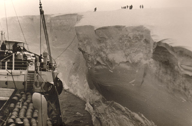 first Russian expedition to Antarctics in 1950 21