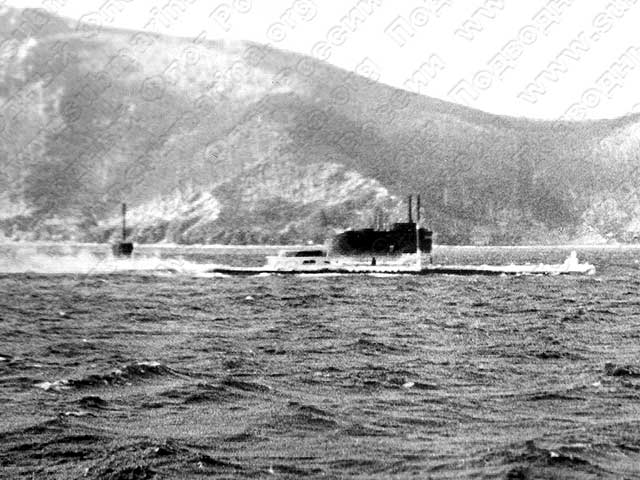 first russian submarine 1