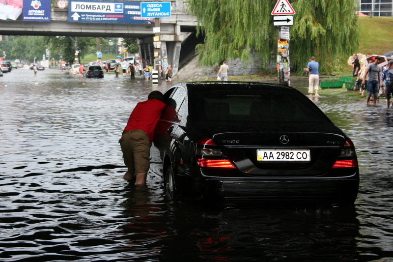 Russian flooding in Kiev 3