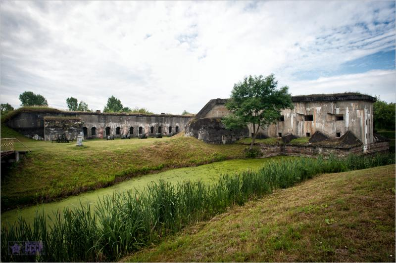 Fort V 2