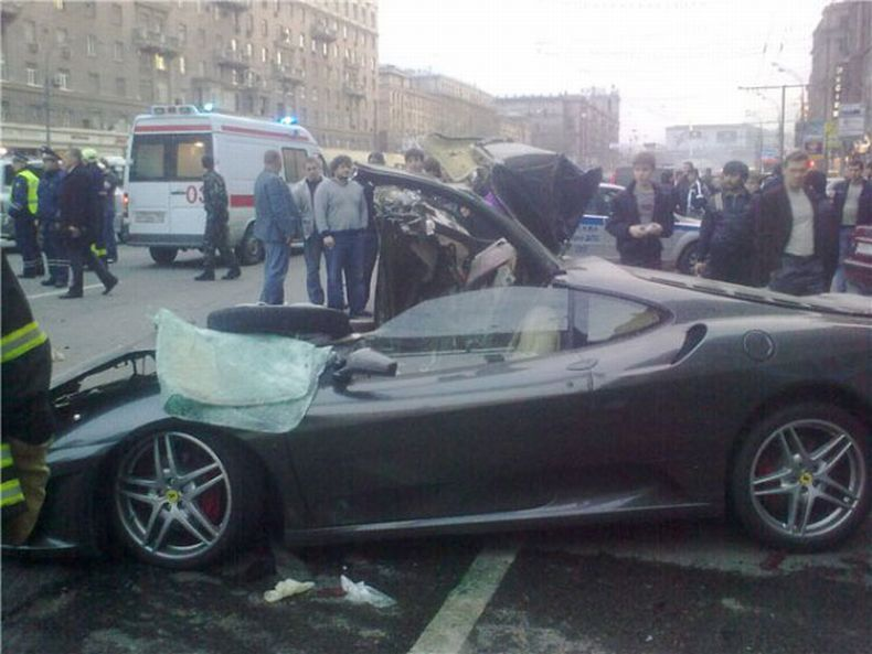 Russian ferrari crash 2