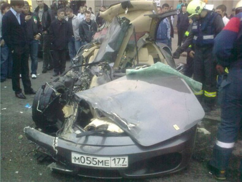 Russian ferrari crash 3