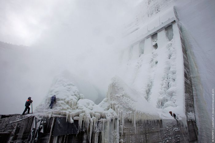 Russian frozen power plant 1