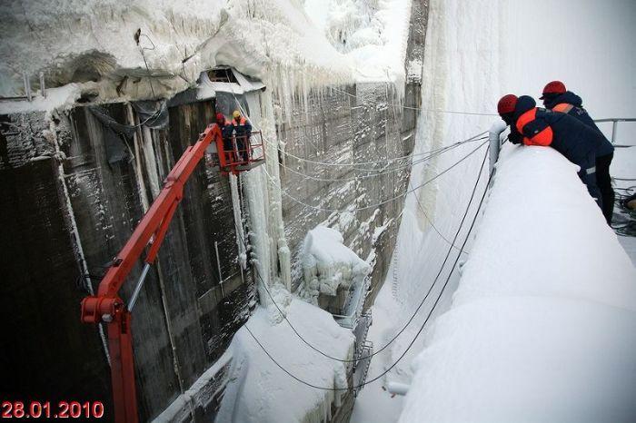 Russian frozen power plant 10