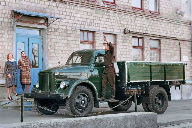 Russian old truck goes hotrod 1