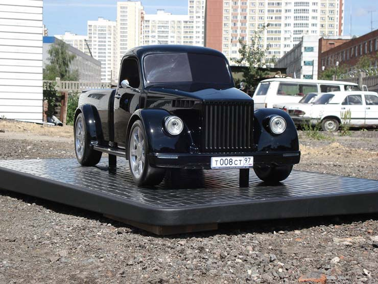 Russian old truck goes hotrod 10