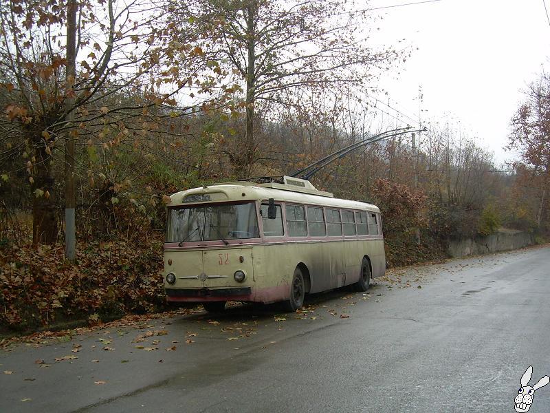 Ancient Electro bus running through georgia 2