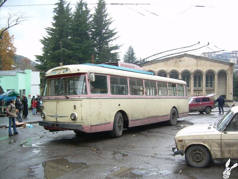 Ancient Electro bus running through georgia 5