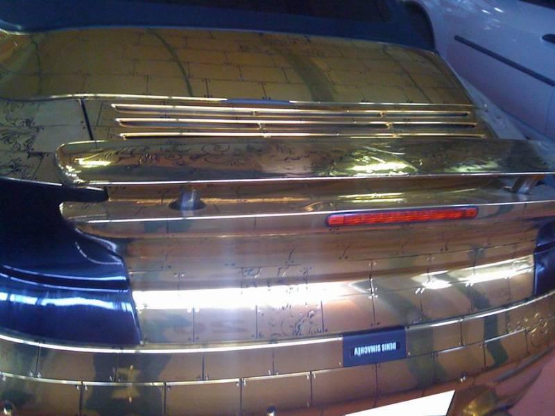 Russian gold plated porsche 5
