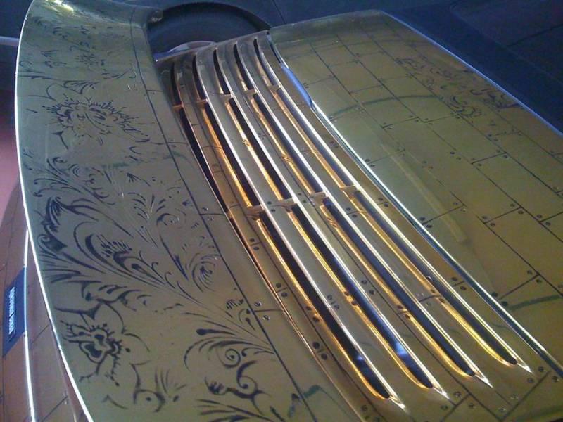 Russian gold plated porsche 12