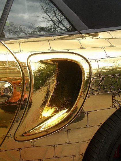 Russian porsche made of gold 3