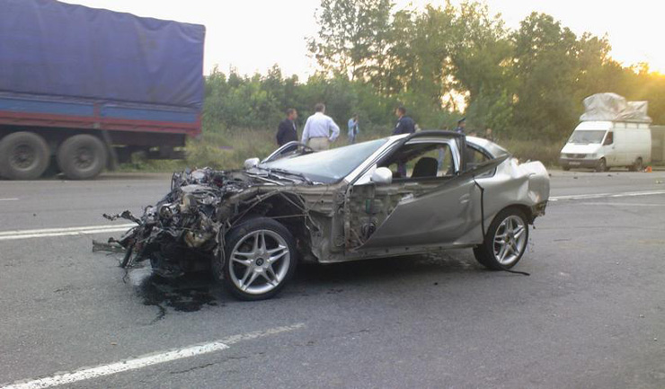 car before and after the crash in Ukraine 5