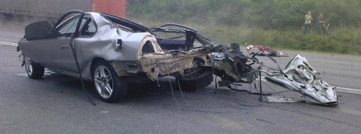 car before and after the crash in Ukraine 6
