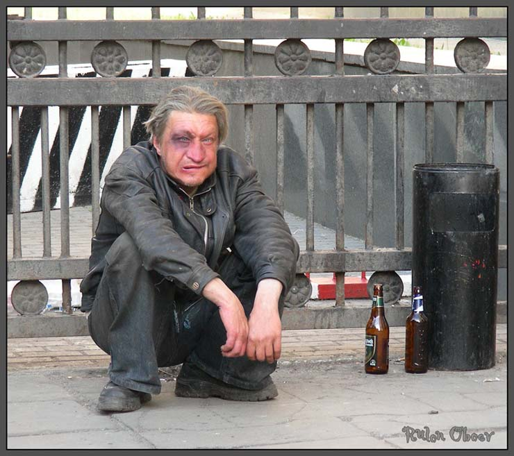 Homeless people at Moscow, Russia 9