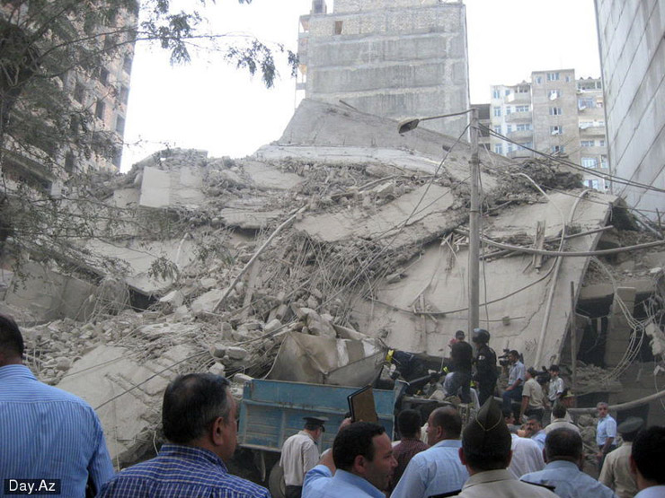 house collapsed in Azerbajan 12