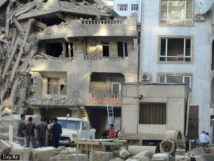house collapsed in Azerbajan 13