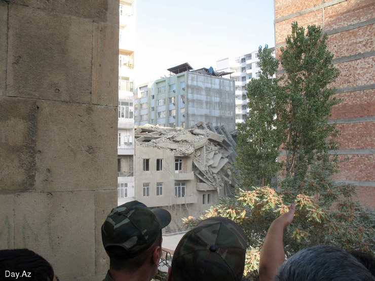 house collapsed in Azerbajan 3