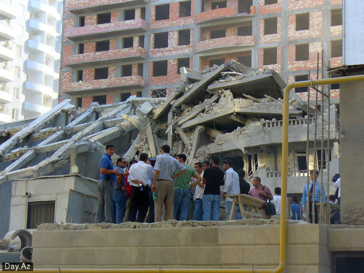 house collapsed in Azerbajan 6