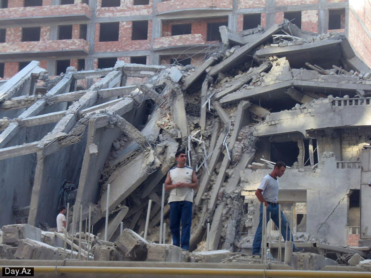 house collapsed in Azerbajan 9
