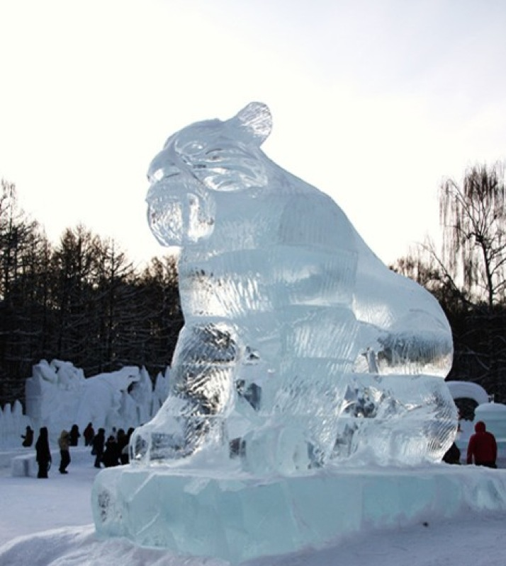 Ice age statues in Moscow 12