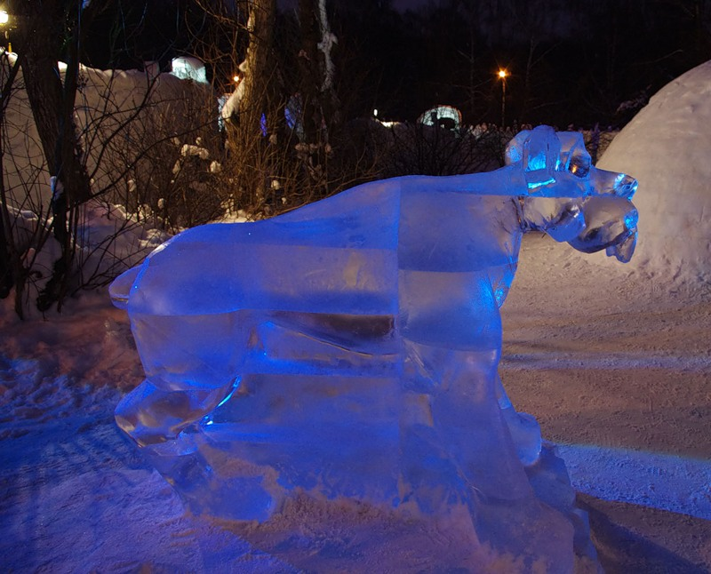 Ice age statues in Moscow 8