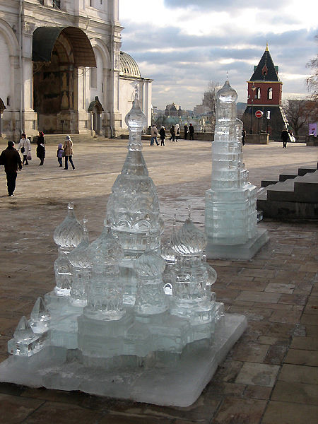 ice statues in Moscow Kremlin 1