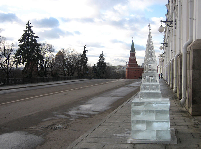 ice statues in Moscow Kremlin 10