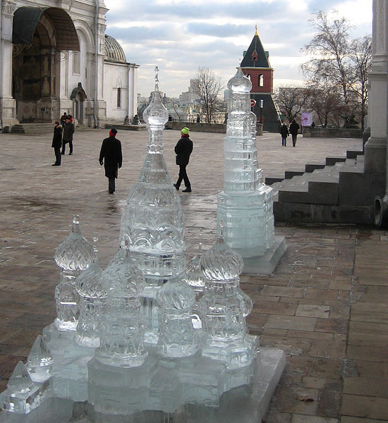 ice statues in Moscow Kremlin 4