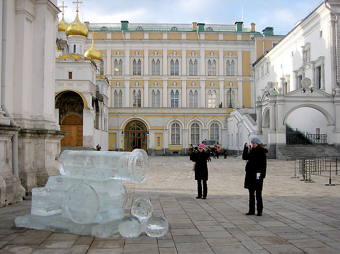 ice statues in Moscow Kremlin 6