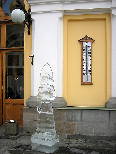 ice statues in Moscow Kremlin 7