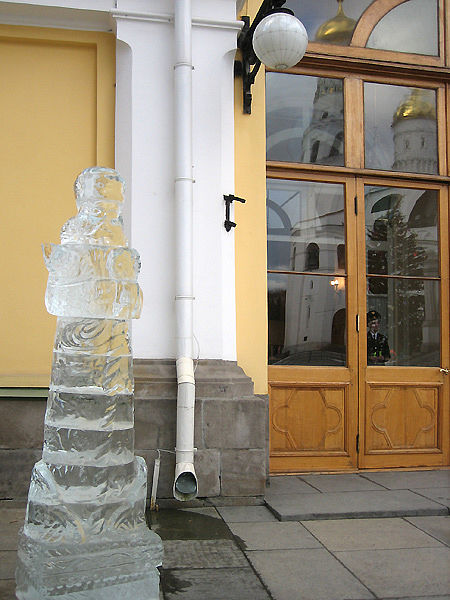 ice statues in Moscow Kremlin 8