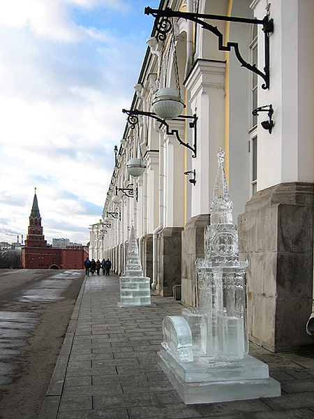 ice statues in Moscow Kremlin 9
