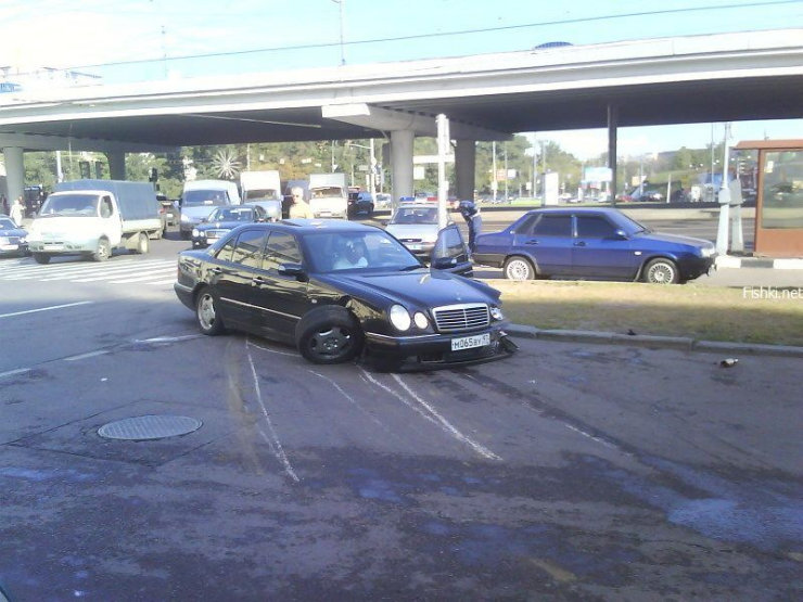 an ordinary car accident in Moscow 1