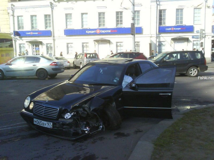 an ordinary car accident in Moscow 4