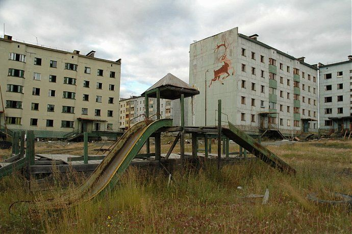 Russian dead town - stays abandoned 54