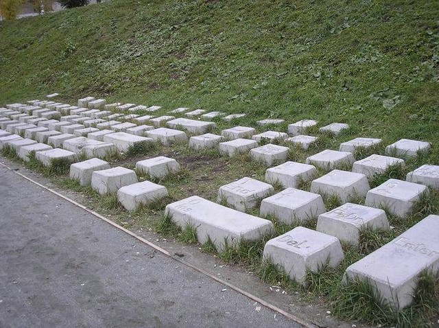 russian keyboard monument