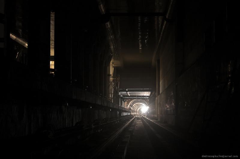 Kiev Metro Tunnels - Showy But Dangerous