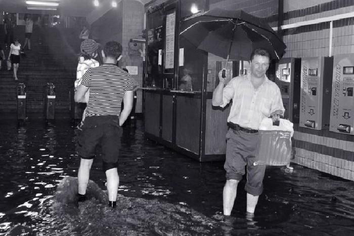 kiev subway flooded 12