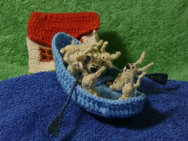 Russian knitted hares 13